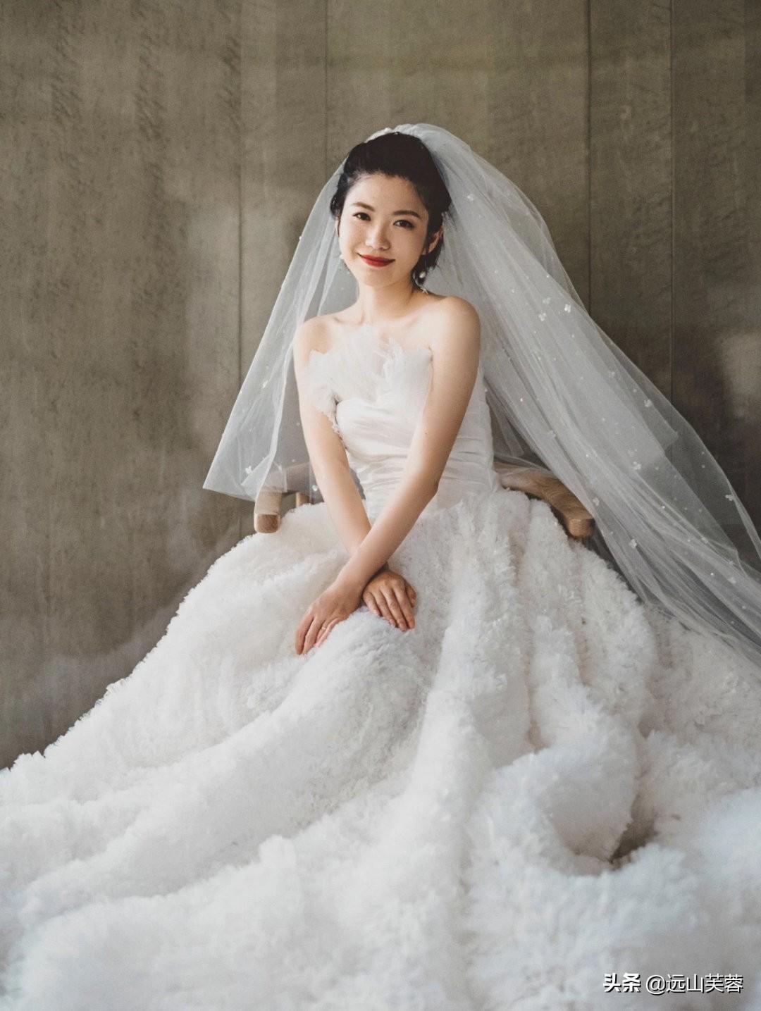女性穿上婚纱的时候最美-1.jpg