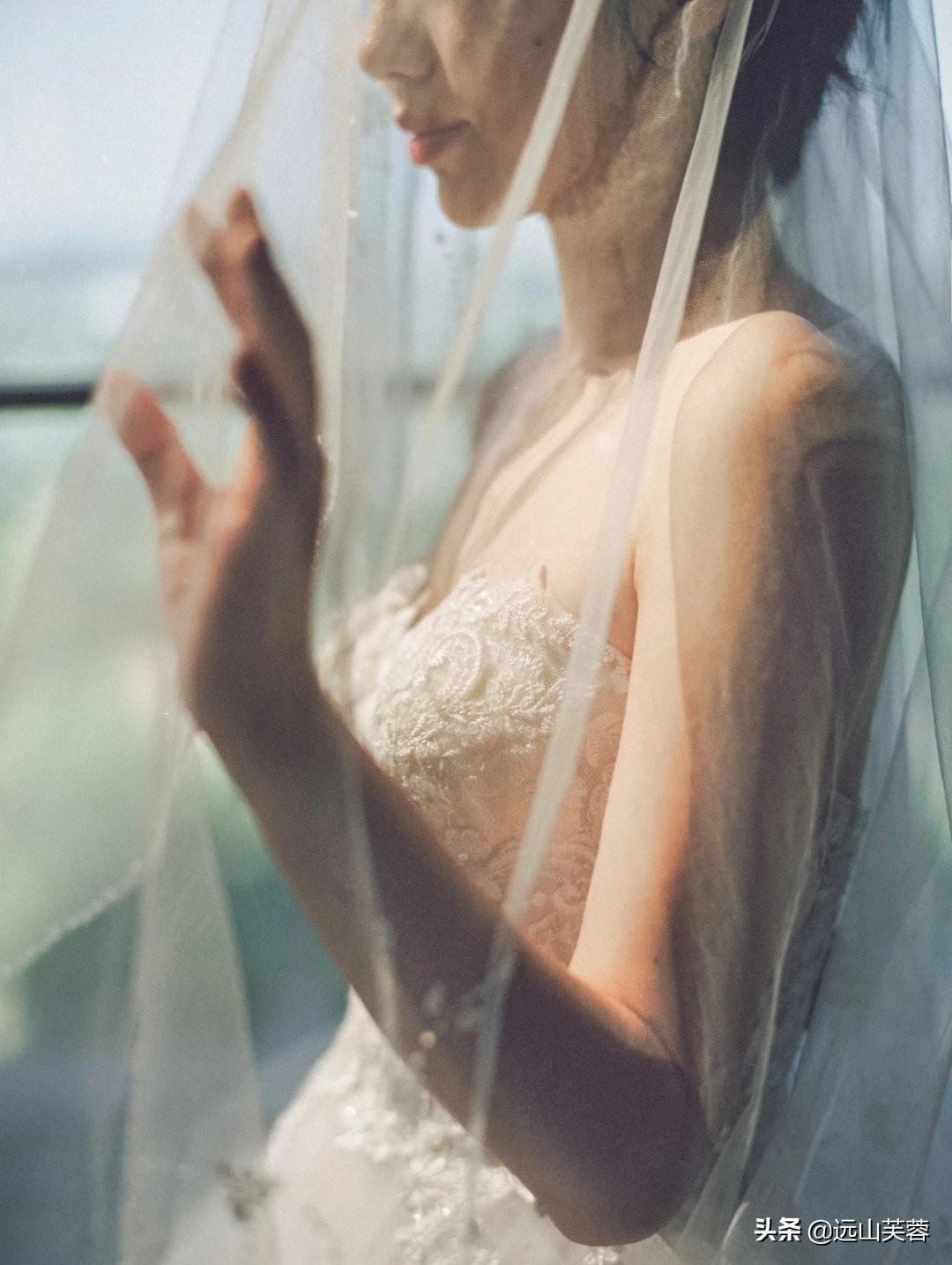 女性穿上婚纱的时候最美-5.jpg