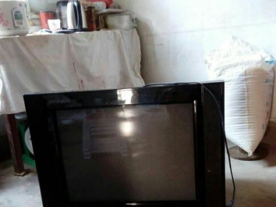 彩色电视转让 - 500元