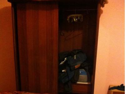 衣柜和电脑桌 - 330元