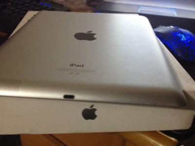 国行白色iPad4、16G,wifi版,便宜出售 - 2600元