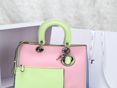 3高仿奢侈品香奈儿包包,手表,鞋子批发,零售 - 350元
