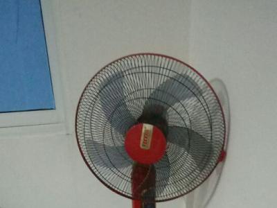 红双喜牌电风扇 - 180元
