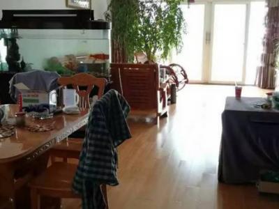 龙泉花园4室2厅 158平米 双证齐全 物美廉价 仅此一套